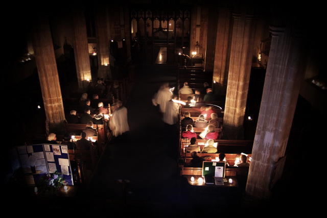 Carbrooke Advent darkness into light service (2)